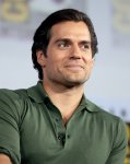 800px-Henry_Cavill_by_Gage_Skidmore_2.jpg