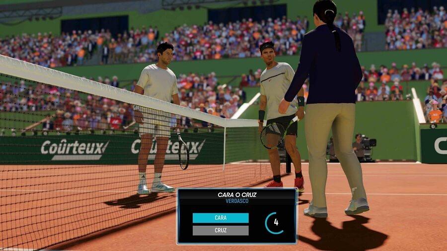 jugando ao tennis