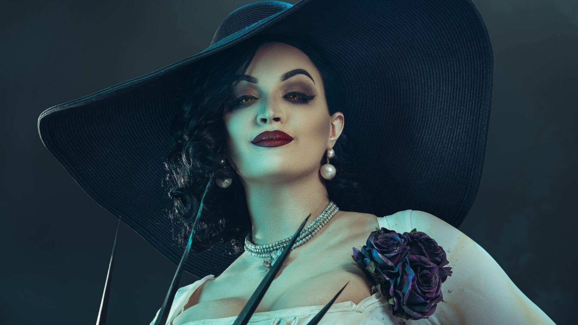 Nuevo cosplay de Lady Dimitrescu de Resident Evil Village sorprende en redes