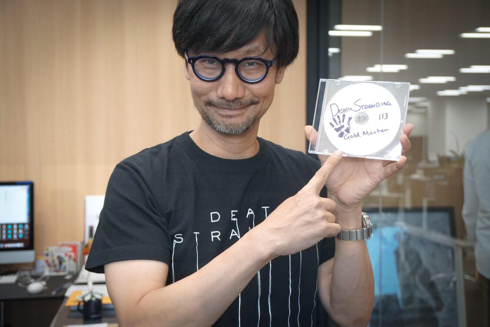 Hideo Kojima muestra su preocupación por el fin del formato físico